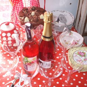 Crafty Hen Parties at Fabrication Crafts in Leeds City Centre. Fabrication has a wide variety of crafty hen party ideas. All are available for parties of up to 20 participants, our minimum number is 6