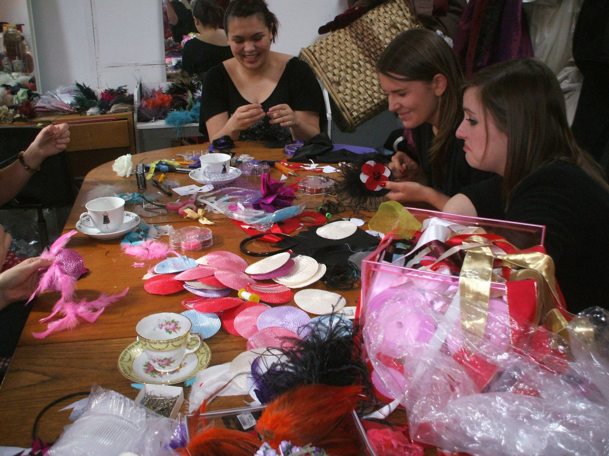 Alternative, unusual, vintage & crafty hen parties & baby showers in Leeds city centre. Fascinator making, jewellery making, bunting, pinnies, and more