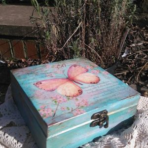Decoupage classes for beginners with Ela Kruszewska owner of My little Craft Corner . You will learn how to create this beautiful butterfly wooden box using decoupage technique step by step in friendly and relaxed atmosphere