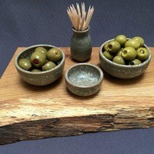 https://www.shop.fabric-ation.co.uk/homewares-c-70037-1/kitchenware-c-70051-1/crockery-c-70047-1/olive-set-p-31032